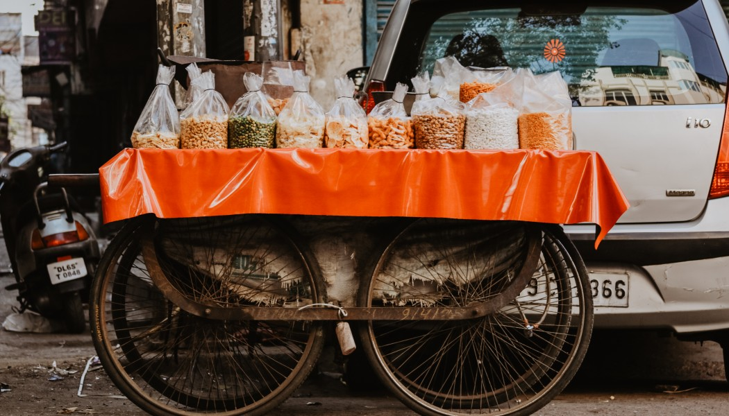 How Street Food Hawkers in India Have an Advantage Over Restaurants